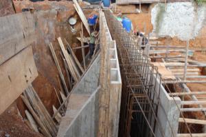 Ficha de rendimento – Muros de contenção em betão armado com 25cm